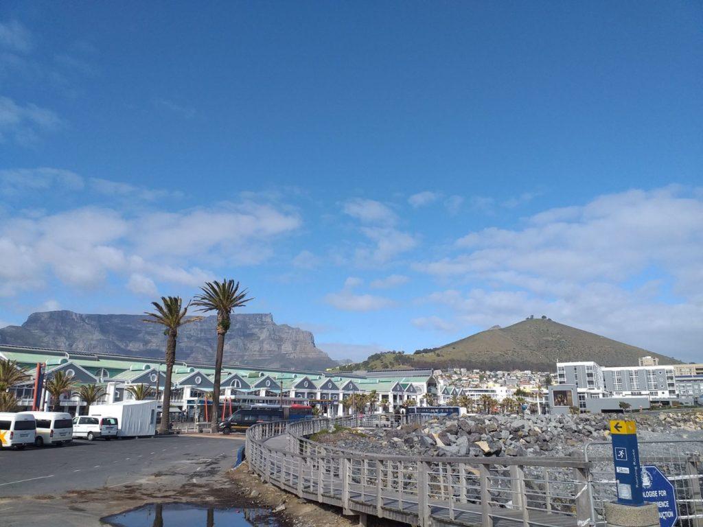 vue derrière waterfront le cap