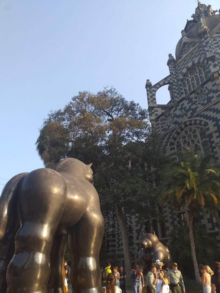 centre historique medellin  - statue bottero